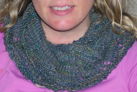 ttwcreative: A New, Free Cowl Pattern